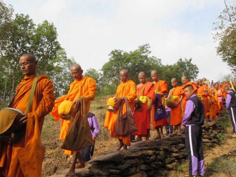 THAÏLANDE – CHRONIQUE : Awk Phansa, la fin du carême bouddhiste