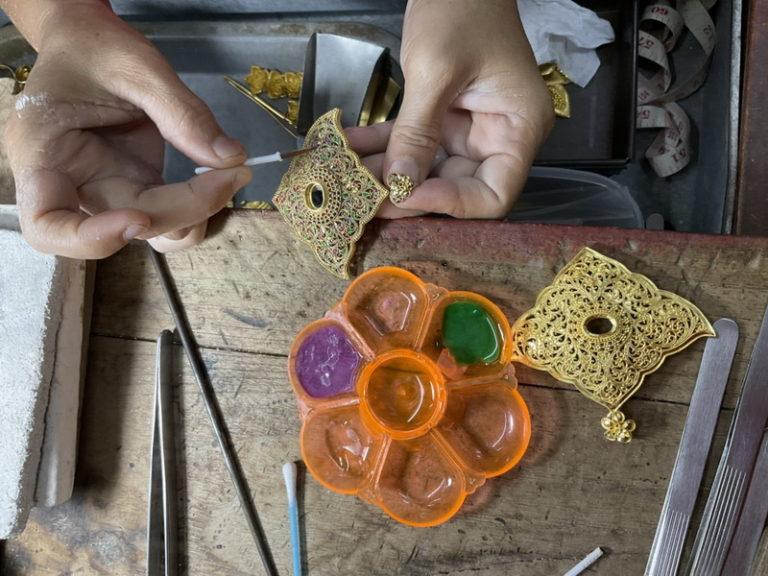 THAÏLANDE – CHRONIQUE : « Tha Chaï : atelier et mains d'or »
